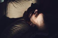 Femme mûre en douleur Images stock