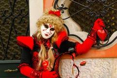 Femme masquée de cheveux blonds Image stock