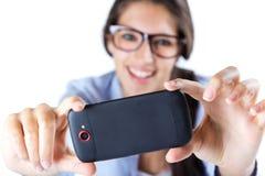 Femme mignonne de brune prenant la photo d'elle-même Photos libres de droits
