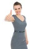 Femme moderne d'affaires affichant des pouces vers le haut Photos libres de droits