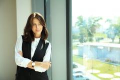 Femme moderne d'affaires dans le bureau Image libre de droits