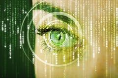 Femme moderne de cyber avec l'oeil de matrice Photographie stock