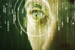 Femme moderne de cyber avec l'oeil de matrice image stock