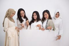 Femme musulmane asiatique Concept d'Eid Mubarak Image libre de droits