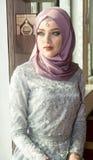Femme musulmane dans la mosquée Image libre de droits