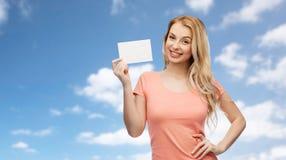 Femme ou fille heureuse d'ado avec le livre blanc vide Photo stock