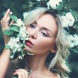 Femme parfaite avec les cheveux blonds photos libres de droits