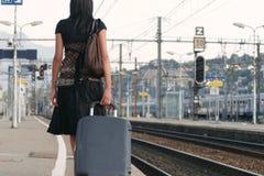 Femme partant sur un voyage Photographie stock libre de droits
