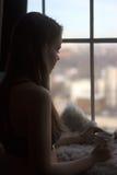 Femme pendant le matin Photo libre de droits