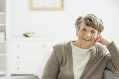 Femme plus âgée heureuse photographie stock