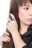 Femme portant les anneaux multiples Photos libres de droits