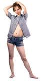 Femme posant à l'appareil-photo Photo libre de droits