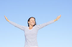 Femme positif relaxed amical de verticale Images libres de droits