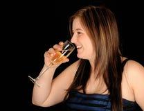 femme potable de vin photographie stock libre de droits