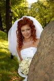 Femme près de l'arbre 6 Images stock