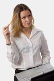 Femme rêvassant Image stock