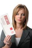 Femme retenant l'enveloppe arriérée Photos stock