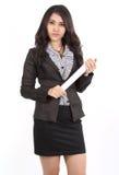 Femme retenant le papier Image libre de droits