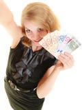 Femme riche montrant d'euro billets de banque d'argent de devise Photos libres de droits