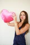 femme rouge de valentine du grand jour s Photographie stock