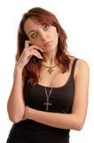 Femme sérieuse regardant l'appareil-photo Image libre de droits