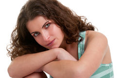 Femme s'asseyant sur le plancher Photo libre de droits
