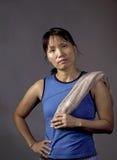 Femme sûre après séance d'entraînement photos libres de droits