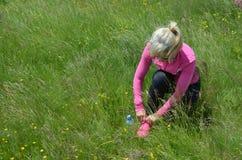 Femme se préparant à l'activité de sport Photographie stock