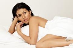 Femme sensuel dans bed-01 Photographie stock