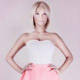 Femme sensuelle blonde de beauté. Images libres de droits