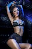 Femme sensuelle de brunette Photographie stock