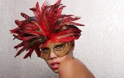 Femme sexy dans le masque photo libre de droits