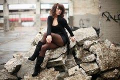 Femme sexy dans le noir photo libre de droits