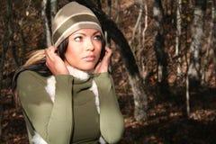Femme sexy de mode d'automne à l'extérieur Photographie stock libre de droits