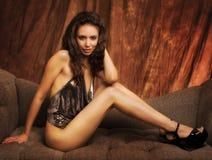 Femme sexy de pose photographie stock libre de droits