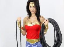 Femme sexy habillée en tant que superhéros Photos stock