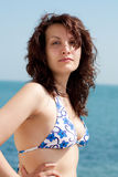 Femme sexy sur une plage Image libre de droits