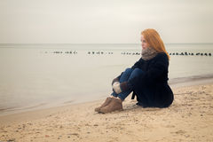 Femme songeuse triste Image stock