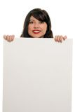 Femme souriant avec annoncer le signe Image libre de droits