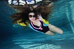 Femme sous-marin Images libres de droits
