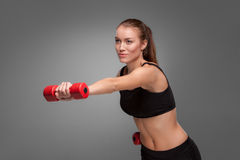 Femme sportive faisant l'exercice d'aérobic Photos stock