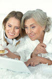 Femme supérieure avec sa fille adulte Photos libres de droits