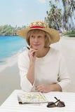 Femme supérieure des vacances d'été Photo stock