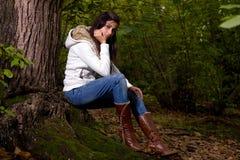 Femme sur la forêt Photos stock