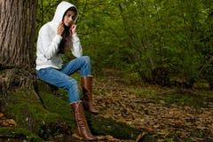 Femme sur la forêt Photographie stock libre de droits