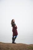 Femme sur le lac photo stock