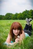 Femme sur le pré II d'été Photographie stock libre de droits