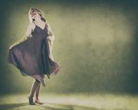 Femme sur le vert Image libre de droits