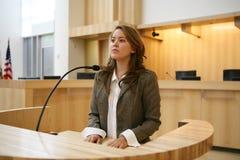 Femme témoignant Image libre de droits