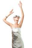 Femme technologique en glaces de réalité virtuelle Photographie stock